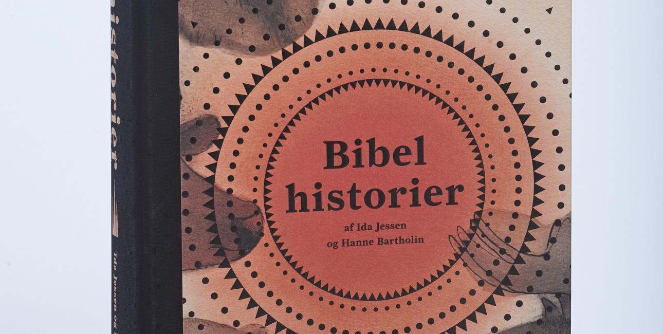 Ny, stor børnebibel formidler Bibelen i børnehøjde