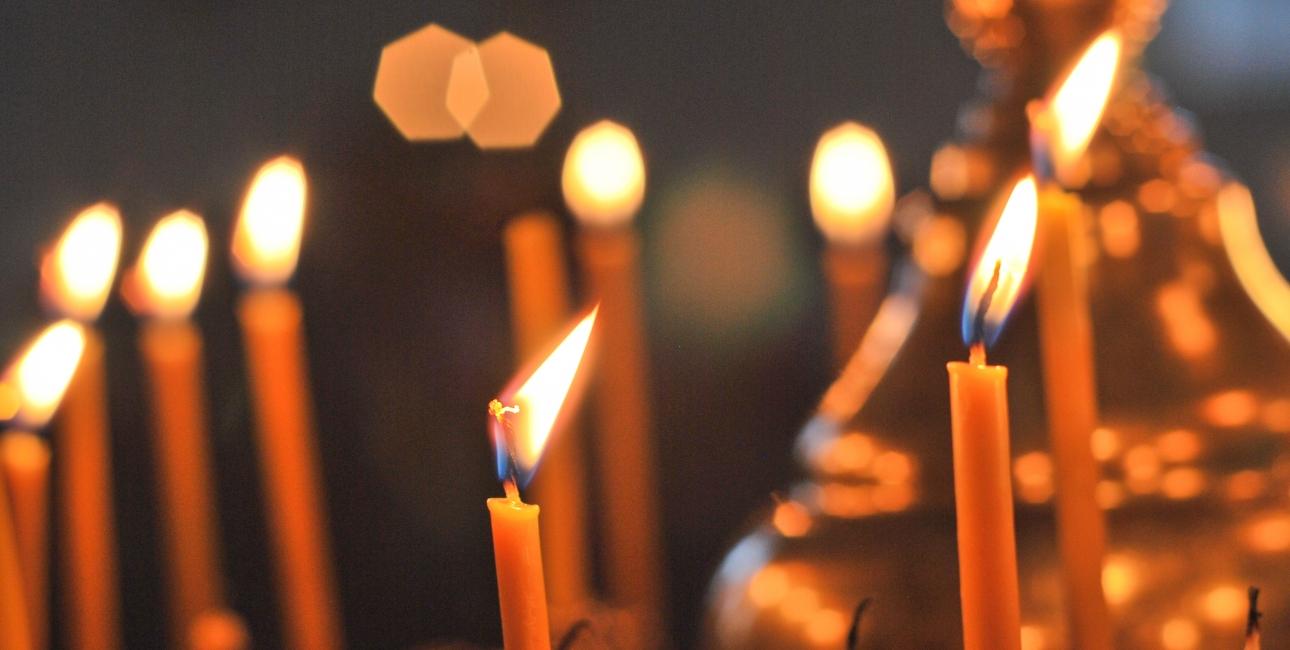 Julebudskabet tænder håb og lys i verden. Foto: Colourbox.