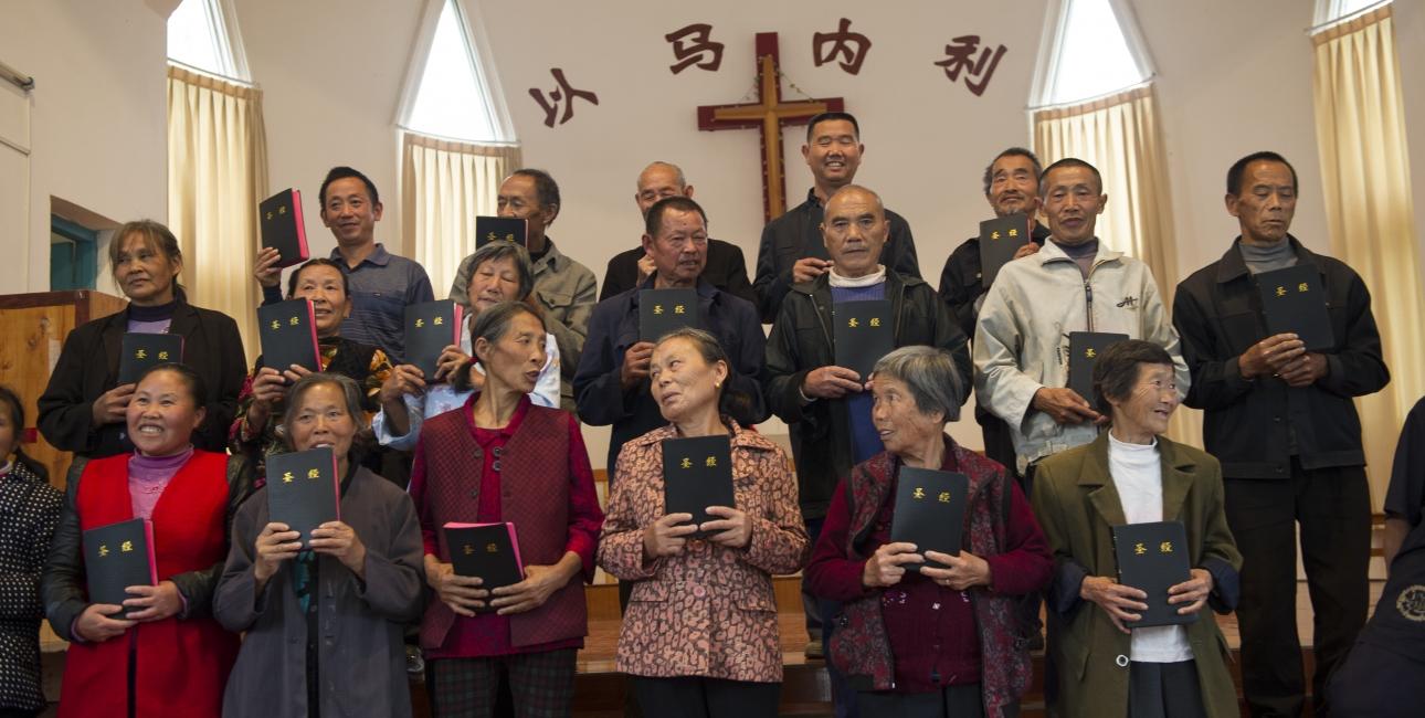 Der har været stor efterspørgsel på bibler blandt Kinas etniske og kristne minoriteter. Foto: De Forenede Bibelselskaber, taget af Andrea Rhodes.