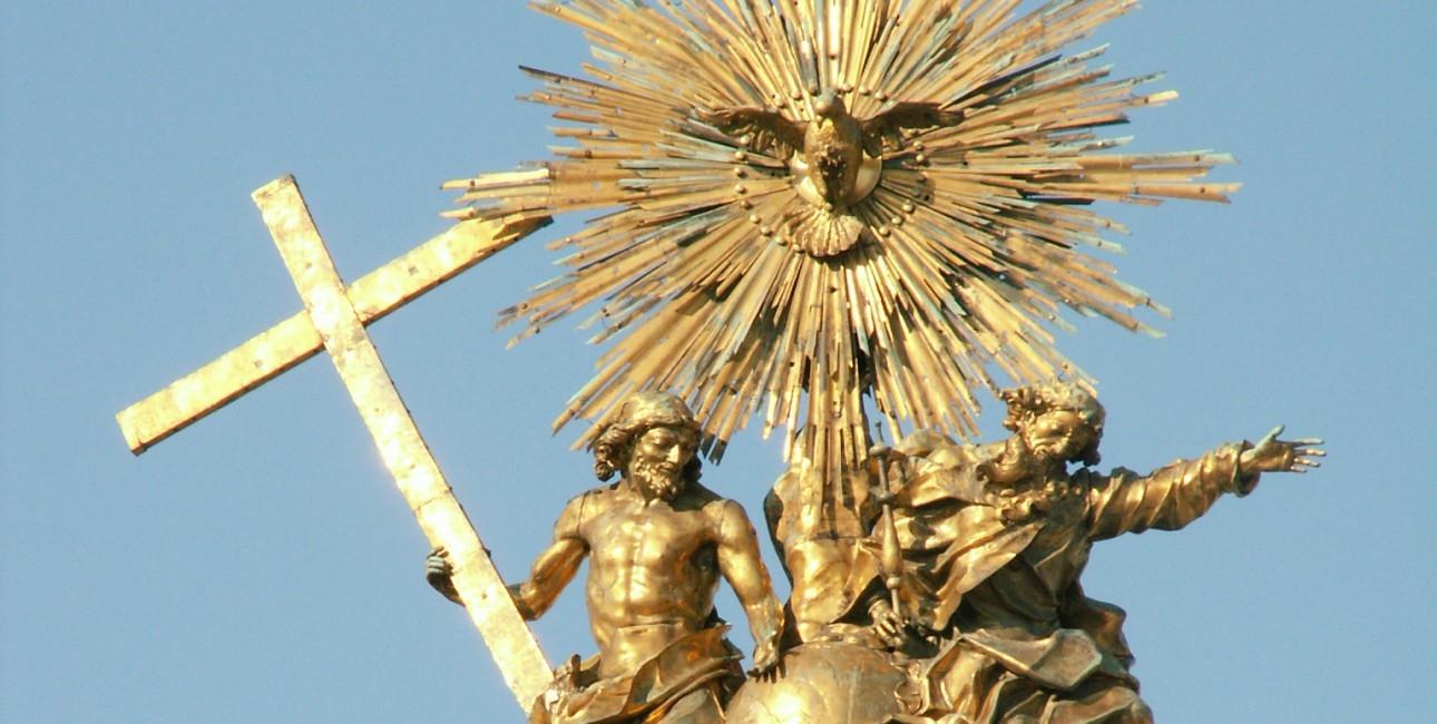 """Statue af den hellige Treenighed. Findes på toppen af """"The holy Trinity Column i Olomouc, Tjekkiet."""