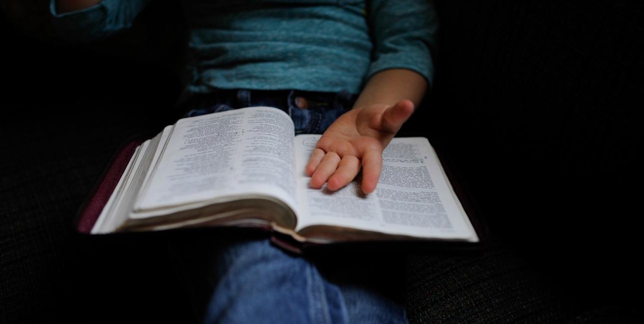 Flyt ind i Bibelen.