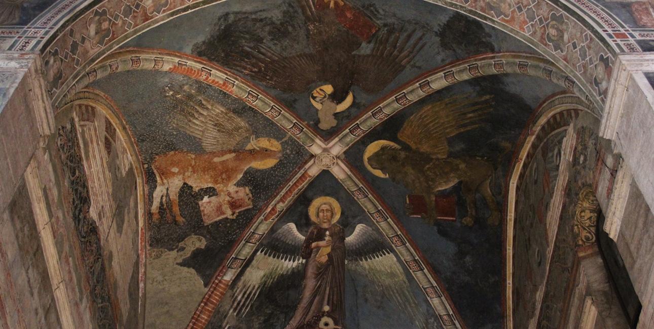 Evangelisterne er ofte symboliseret ved fire forskellige væsener: oksen, mennesket, løven og ørnen. Evangelistsymbolerne bliver ofte brugt både til udsmykning af kirker, interiør og også mange middelalderbibler. Her ses de 4 evangelisters symboler malet i loftet i Chiesa di San Fermo Maggiore i Verona. Foto: Mattis, Wikimedia Commons.