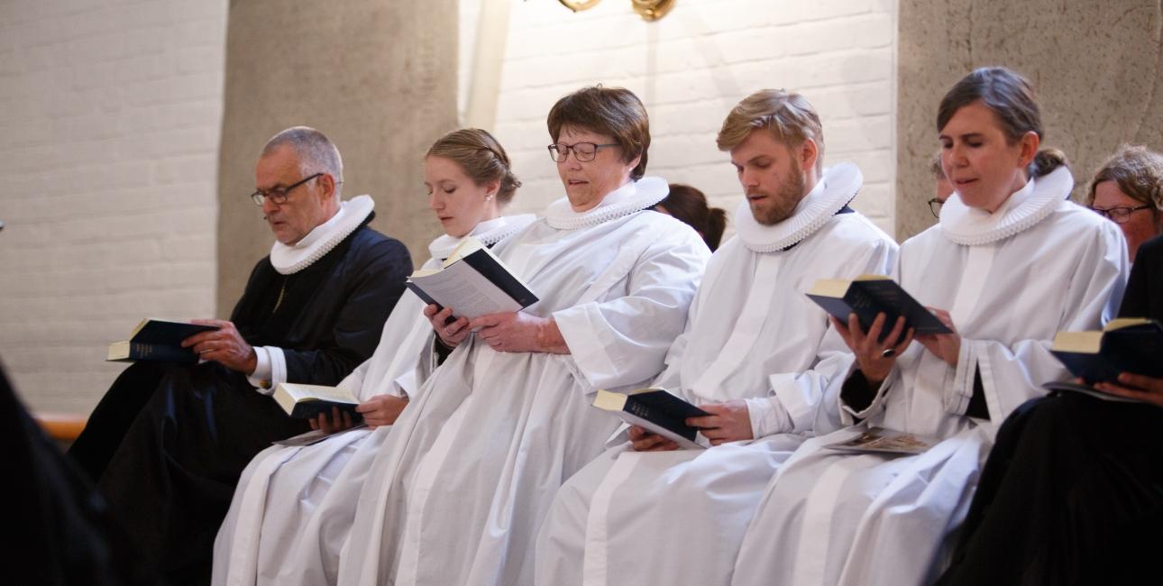 Ordinering af nye præster - Christian Roar Pedersen