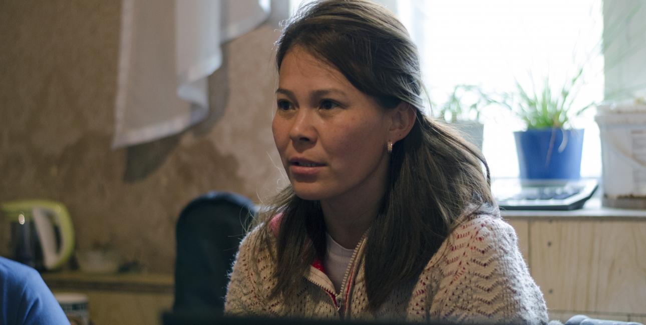 """Aikus har koreanske rødder, kommer fra en muslimsk familie, men endte med at konvertere til kristendommen. """"Jeg oplevede igen det, jeg havde følt i vinden den dag på markerne. For mig blev det en forelskelse – jeg har simpelthen ikke bedre ord for den følelse,"""" fortæller hun om sit møde med Gud. Foto: Yurii Petrenko."""