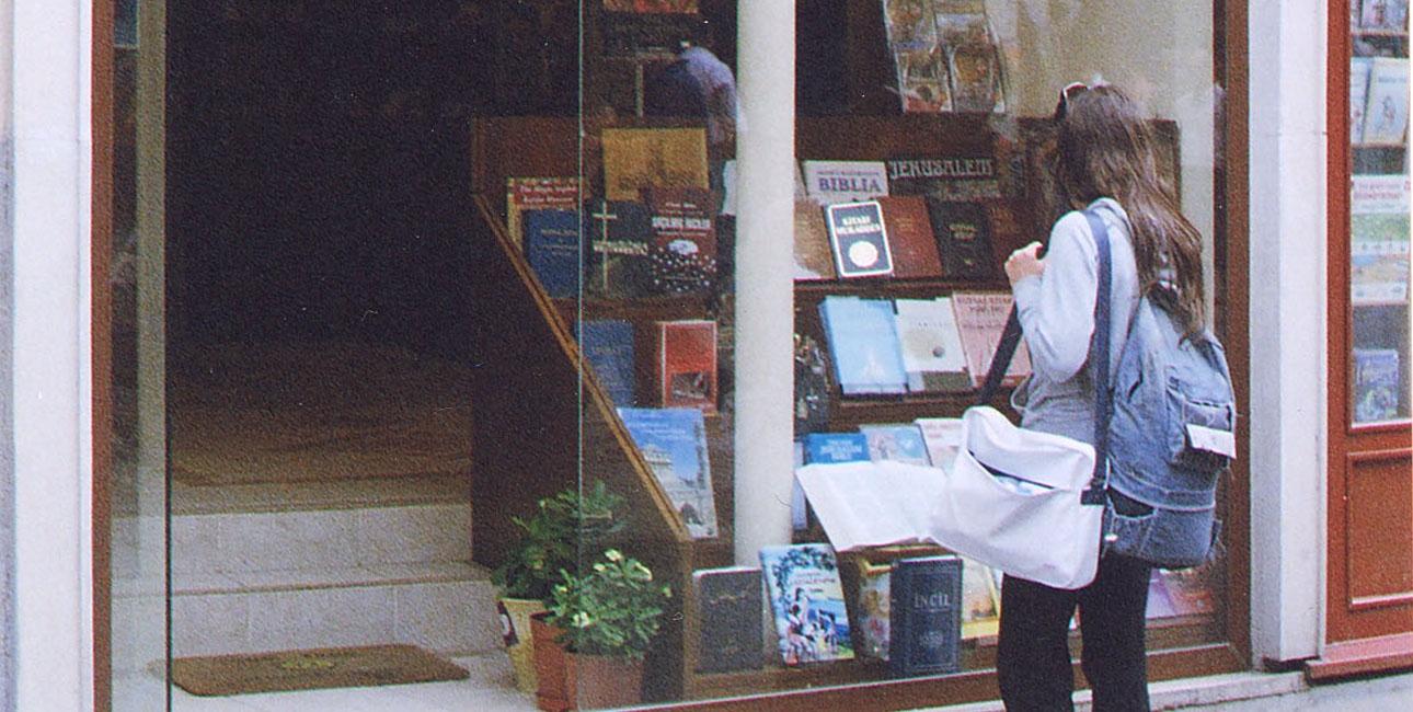 Bibelbutikken i Istanbul spiller en nøglerolle i formidling af kristendommen. 15.000 besøger butikken hvert år. Foto: De Forenede Bibelselskaber.