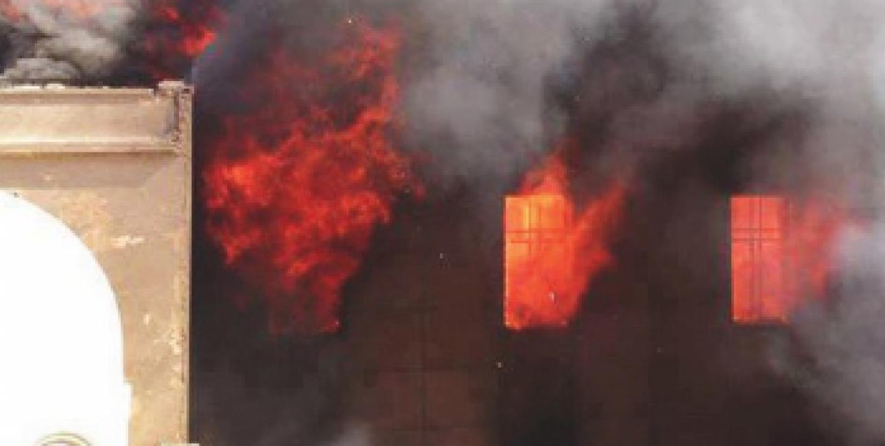 De kristne i Egypten har været hårdt ramt efter præsident Mursis fald. To af Det Egyptiske Bibelselskabs boghandler og næsten 100 kirker blev hærget og brændt ned i efteråret. Foto: Bibelselskabet.