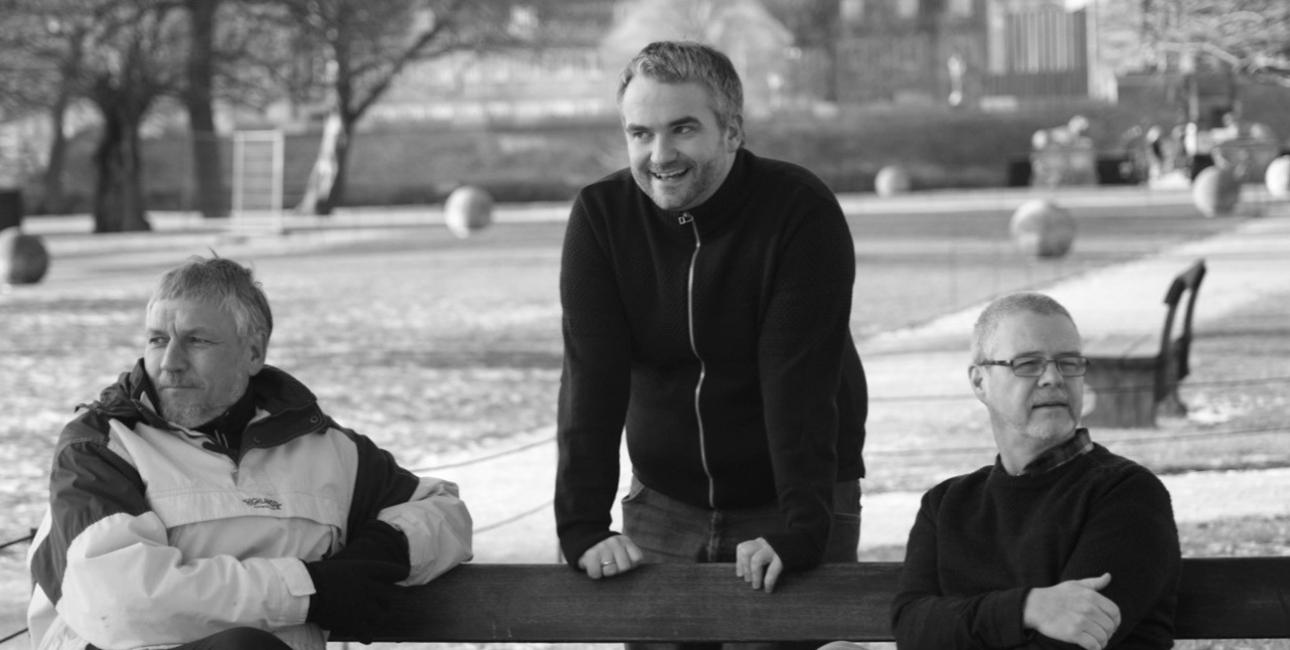 Tre præster har i samarbejde skrevet Bibelhalvmaraton. Fra venstre ses Allan Ibsen, Lasse Åbom og Ole Lundegaard. Foto: Christina Marcher Lundegaard.