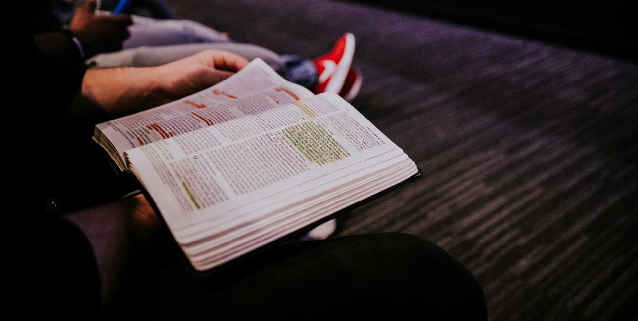 Lydspor fra Bibelen gør arbejdet med de bibelske fortællinger i overbygningen helt aktuelt. Foto: Unsplash