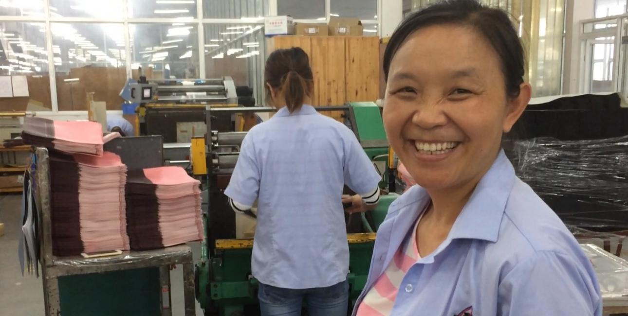 Lin fra bibeltrykkeriet i Kina. Foto: Synne Garff
