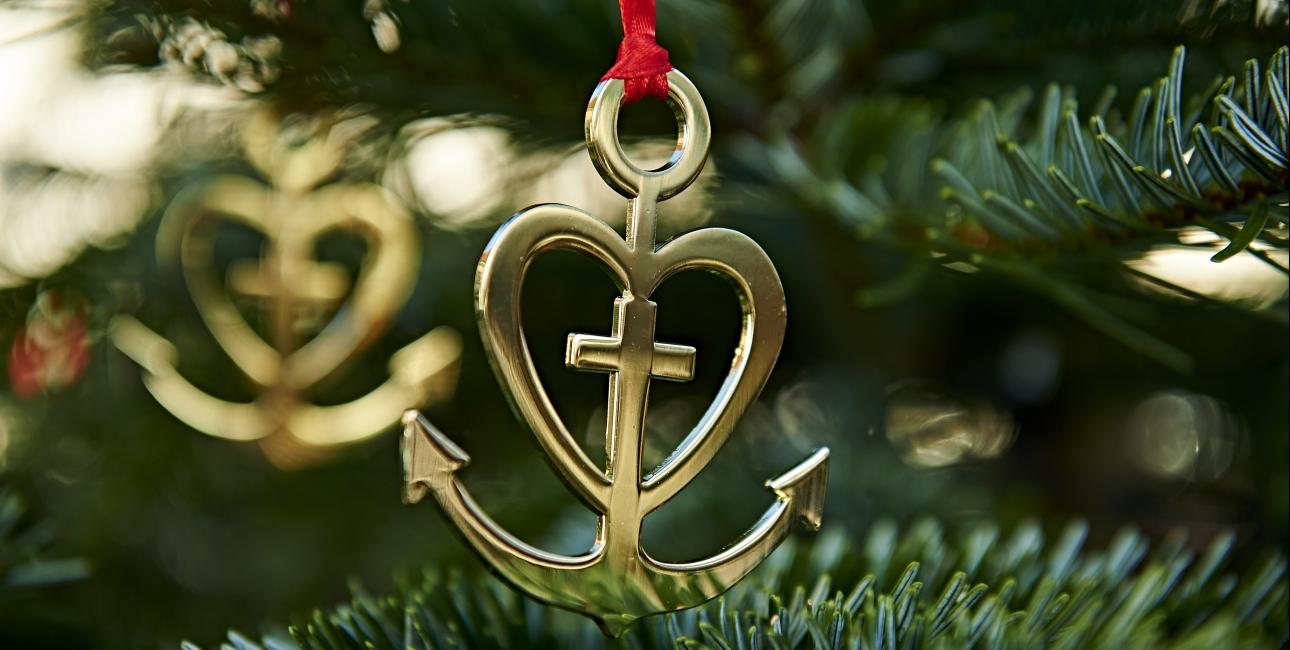 Julepynt med tro, håb og kærlighed. Kan købes i Bibelselskabets netbutik. Foto: Carsten Lundager.