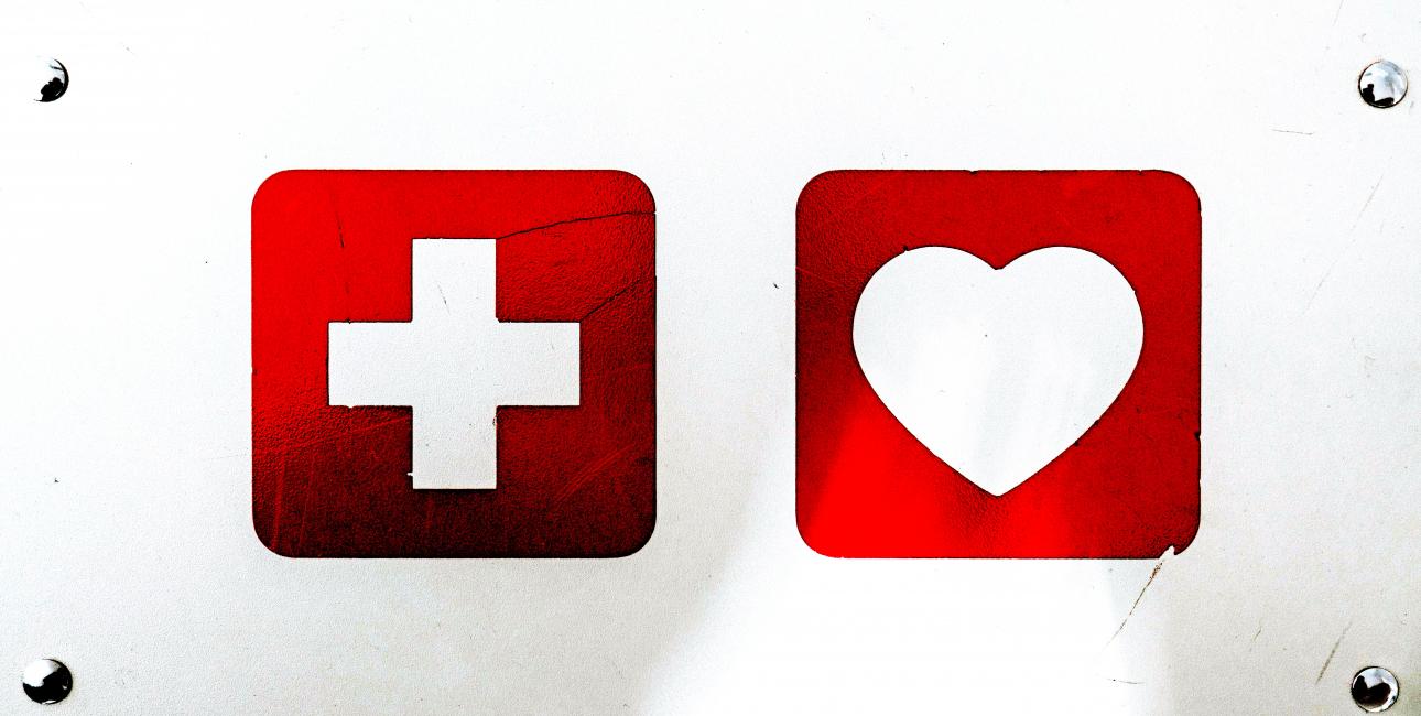Åndelig førstehjælp, bibelsk sjælesorg. Foto: Claudio Schwarz /Unsplash