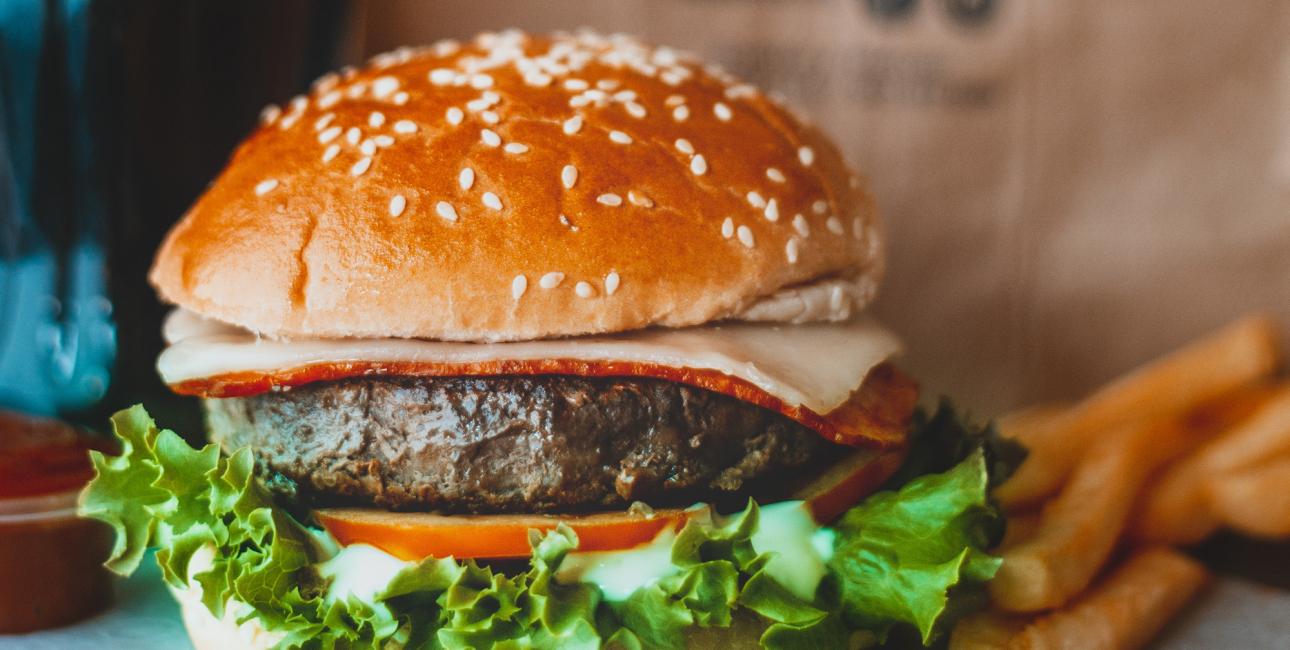 Burger. Foto: Unsplash.