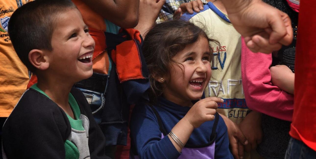 Fredsarbejde i Libanon, pige i lilla bluse. Foto: UBS